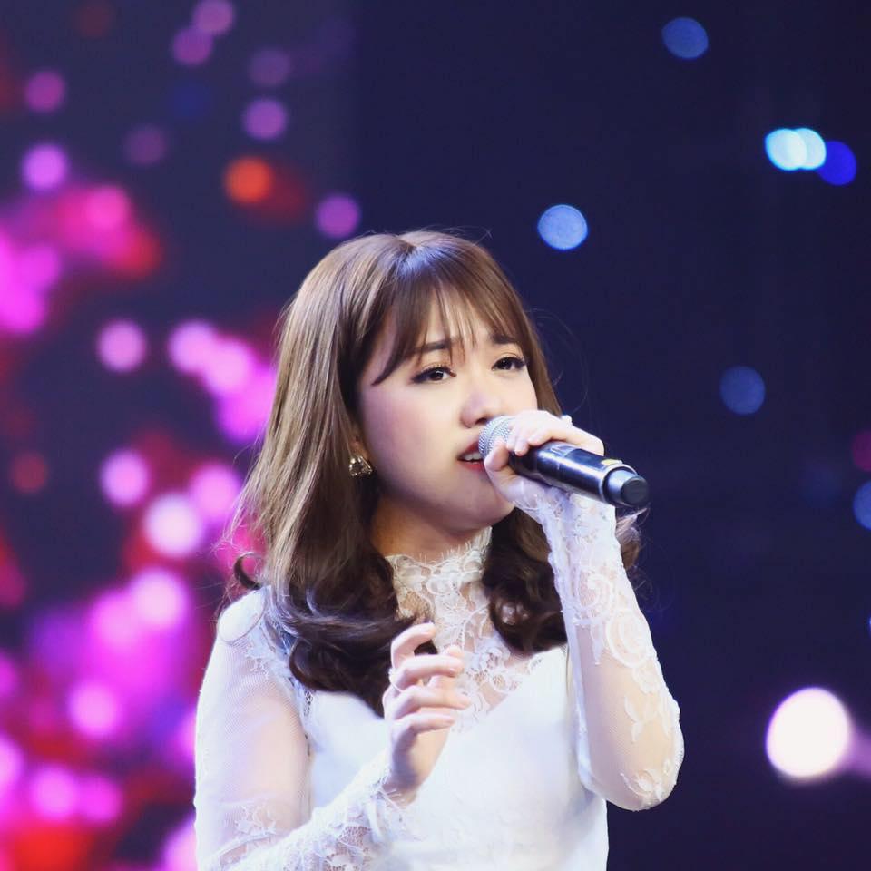 Tiểu sử ca sĩ Phùng Khánh Linh